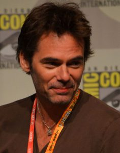 800px-Billy_Burke_Comic-Con_2012